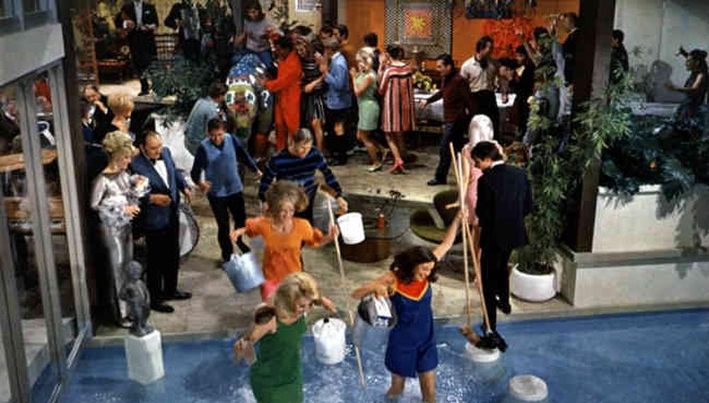 Το Flix βουτάει στις πισίνες του σινεμά #24 - Το Πάρτι του Μπλέικ Εντουαρντς (1968)