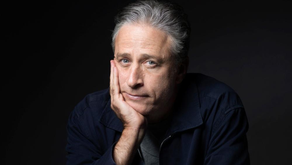 «Bullshit is everywhere»: Ο Τζον Στιούαρτ αποχαιρετά το The Daily Show με ένα μονόλογο ήδη κλασικό!