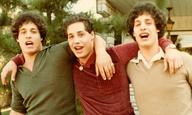 Το τρέιλερ του «Three Identical Strangers» αποκαλύπτει ένα από τα πιο συναρπαστικά ντοκιμαντέρ της χρονιάς