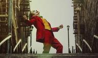 Ο «Joker» φοράει το καλύτερο και πιο θανατηφόρο χαμόγελό του στο τελευταίο του τρέιλερ