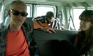 Ο Τζον Γουότερς κάνει ωτο-στοπ στους δρόμους της Αμερικής!