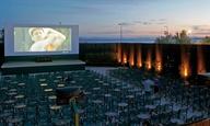 Kενή θέση ανάμεσα στους θεατές και ηλεκτρονικό εισιτήριο ανάμεσα στα μέτρα με τα οποία θα ανοίξουν τα θερινά σινεμά
