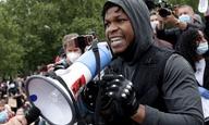 Ο Τζον Μπογιέγκα ξεσπά σε κλάματα και δίνει έναν παθιασμένο λόγο στις διαδηλώσεις του #BlackLivesMatter