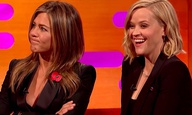 Η Τζένιφερ Ανιστον και η Ρίζ Γουίδερσπουν απαντούν σε trivia ερωτήσεις για τα «Φιλαράκια»