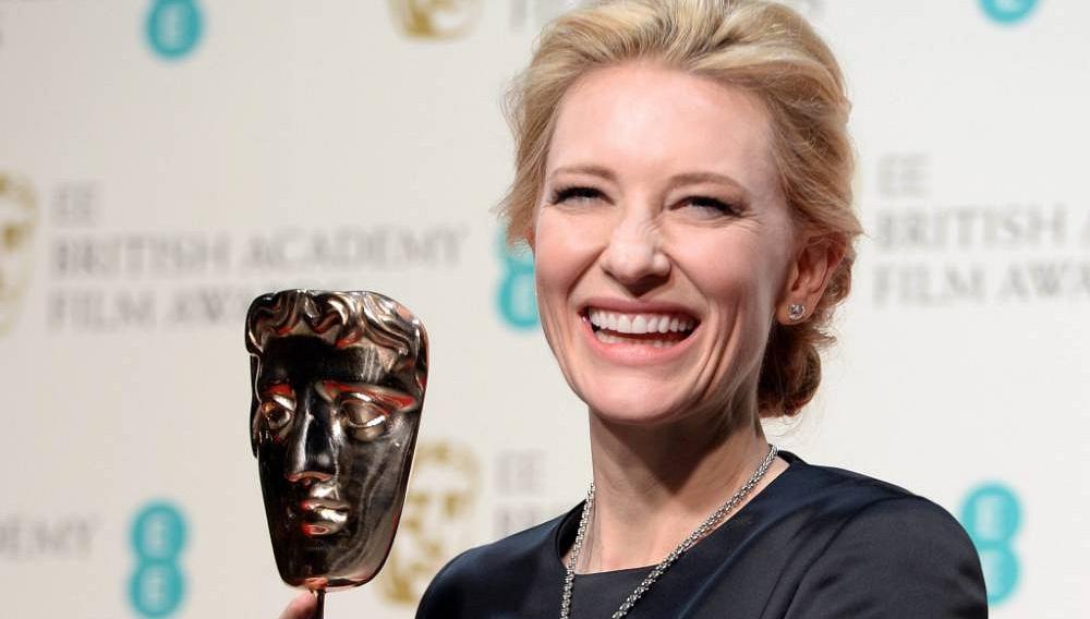 BAFTA 2014: Δείτε την Κέιτ Μπλάνσετ να αφιερώνει το βραβείο της στον Φίλιπ Σίμορ Χόφμαν