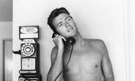 Ενα πρωινό του Ιουνίου του 1956 με τον άγνωστο ακόμη τότε Κλιντ Ιστγουντ
