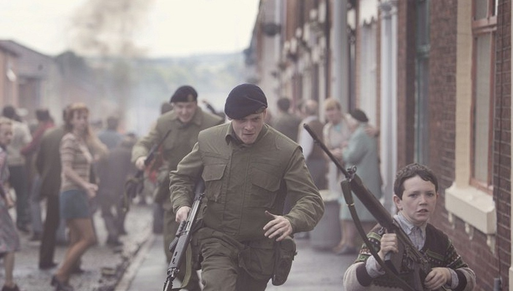 Berlinale 2014: Το «'71» του Γιαν Ντεμάνζ είναι (και) κάτι περισσότερο από ένα σπουδαίο ντεμπούτο.