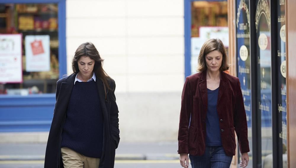 Βενετία 2014: Στο «3 Coeurs» η Σαρλότ Γκενσμπούργκ και η Κιάρα Μαστρογιάνι ερωτεύονται τον ίδιο άντρα. Και γίνεται χαμός!