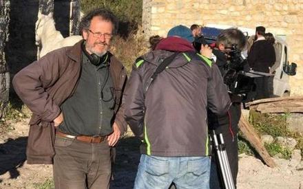 «Το 1821 δεν θέλει πομπώδεις ταινίες με λευκές φουστανέλες»: Ο Στέλιος Χαραλαμπόπουλος μιλάει στο Flix