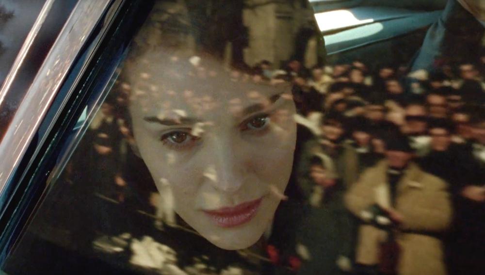Η Νάταλι Πόρτμαν στο κέντρο μιας τραγωδίας στο ελεγειακό τρέιλερ του «Jackie» του Πάμπλο Λαραΐν