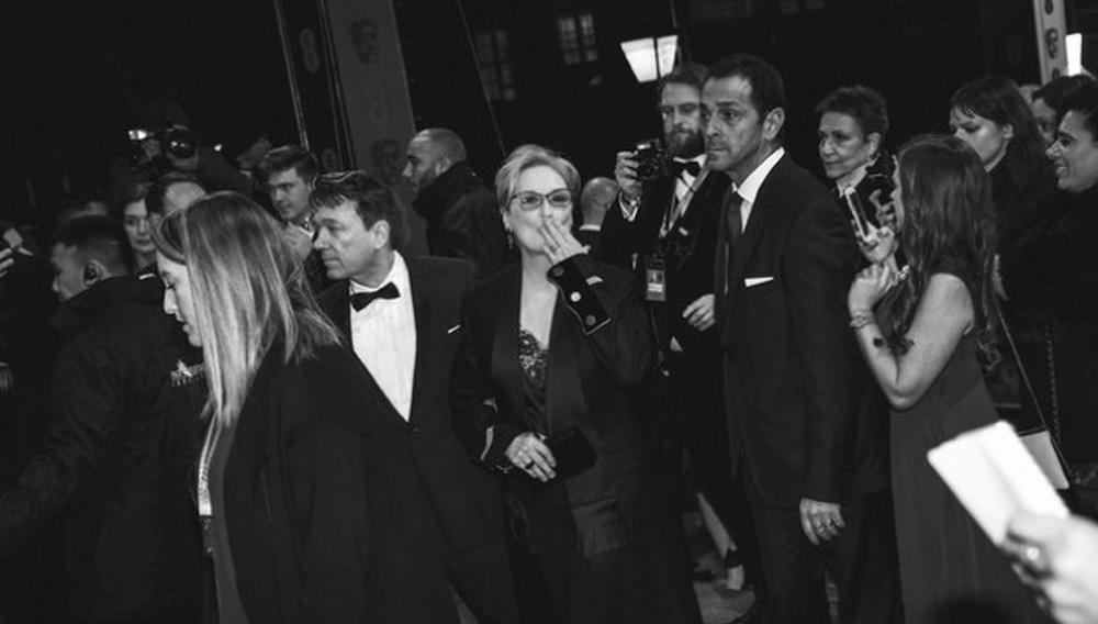 BAFTA 2017: Ολοι οι πρωταγωνιστές των Βραβείων της Βρετανικής Ακαδημίας σε λαμπερό ασπρόμαυρο