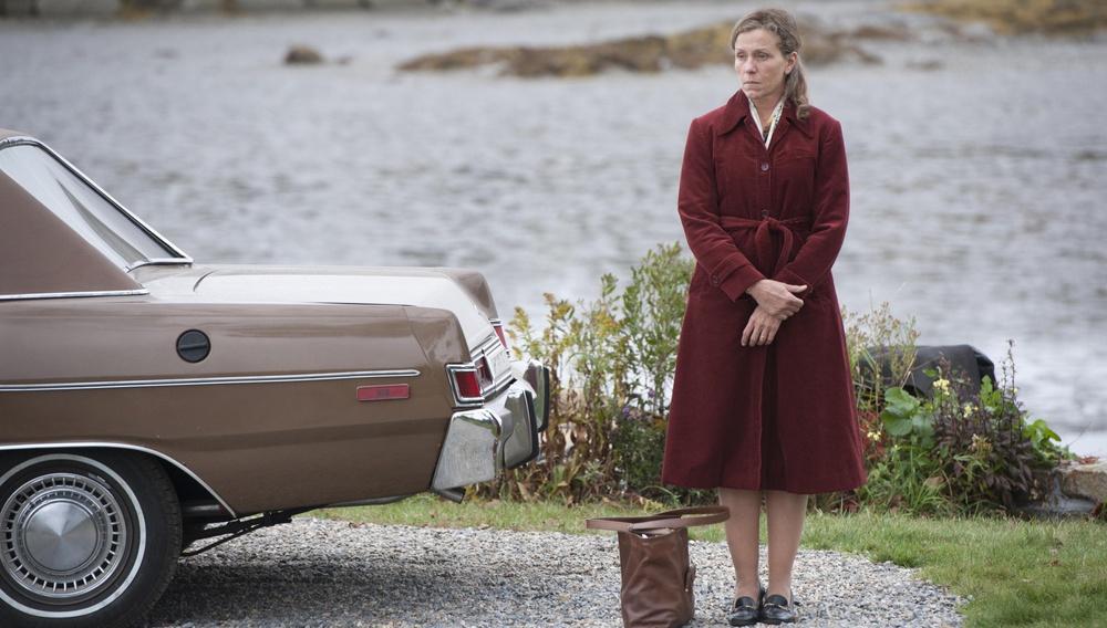 Δεν υπάρχουν απλές ζωές: Η Φράνσις ΜακΝτόρμαντ είναι η «Olive Kitteridge» στην μίνι σειρά της Λίζα Τσολοντένκο