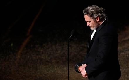 Oscars 2020: Ο Χοακίν Φίνιξ καλεί σε αλλαγή με ακόμη έναν εμπνευστικό ευχαριστήριο λόγο