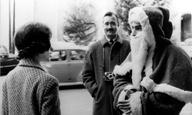 Χριστούγεννα, μικρού μήκους: Le Père Noël a les Υeux Βleus