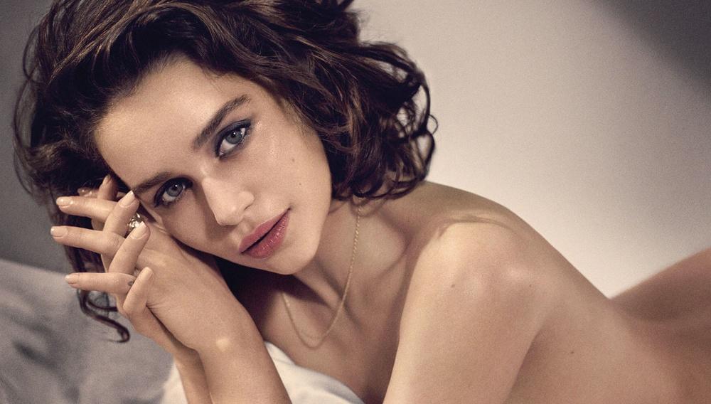 To Esquire ανακηρύσσει την Εμίλια Κλαρκ ως «the sexiest woman alive»