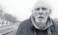 O Μπρους Ντερν αποτίει φόρο τιμής στον Πίτερ Ο' Τουλ