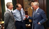 O Πρίγκιπας Κάρολος στα γυρίσματα του «Bond 25»