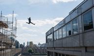 Αουτς! Δείτε τον Τομ Κρουζ να σπάει το πόδι του στα γυρίσματα του νέου «Mission: Impossible»