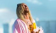 Ο Μάθιου ΜακΚόναχεϊ τριπάρει σαν να μην υπάρχει αύριο στο τρέιλερ για το «The Beach Bum» του Χάρμονι Κορίν