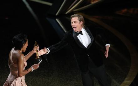 Oscars 2020: Ο Μπραντ Πιτ ζητά από τον Ταραντίνο να αλλάξει την Ιστορία της παραπομπής του Τραμπ