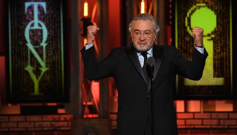 Το «F... Trump» του Ρόμπερτ Ντε Νίρο στη ζωντανή μετάδοση των φετινών Tony Awards