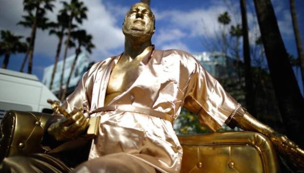 Ενα άγαλμα του Χάρβεϊ Γουάινστιν έκανε την εμφάνισή του στο Χόλιγουντ