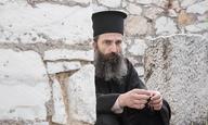Πρώτες φωτογραφίες από τα γυρίσματα του «Man of God» με τον Αρη Σερβετάλη στο ρόλου του Αγίου Νεκταρίου