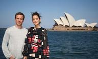 Ο Μάικλ Φασμπέντερ και η Μαριόν Κοτιγιάρ στέλνουν «Assassin's Creed» φιλιά από το Σίδνεϊ