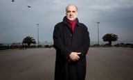 «Ο χρόνος με βοηθάει να θεραπεύω την ανεπάρκειά μου»: Ο Φίλιππος Κουτσαφτής μιλάει στο Flix