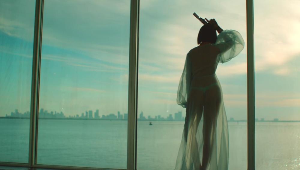 Ο Χάρμονι Κορίν κάνει την Rihanna ακόμη πιο φονικά σέξι