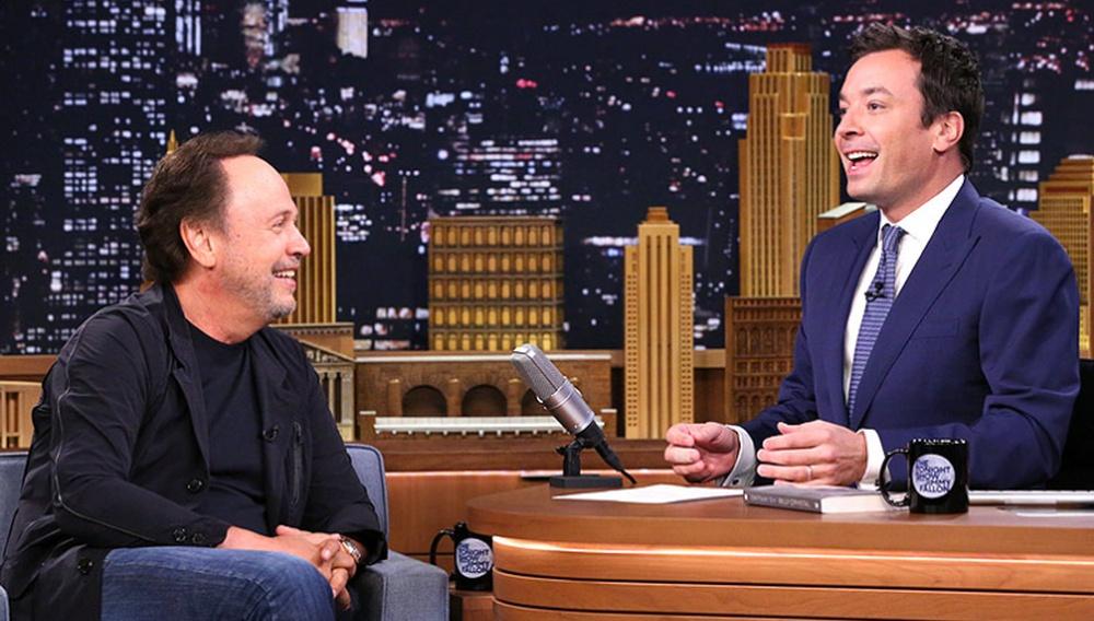 Μπίλι Κρίσταλ & Τζίμι Φάλον αφηγούνται τις πιο αστείες αναμνήσεις τους με τον Ρόμπιν Γουίλιαμς