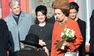 Στη Βασίλισσα Ελισάβετ αρέσει πολύ η Ολίβια Κόλμαν ως Βασίλισσα Ελισάβετ