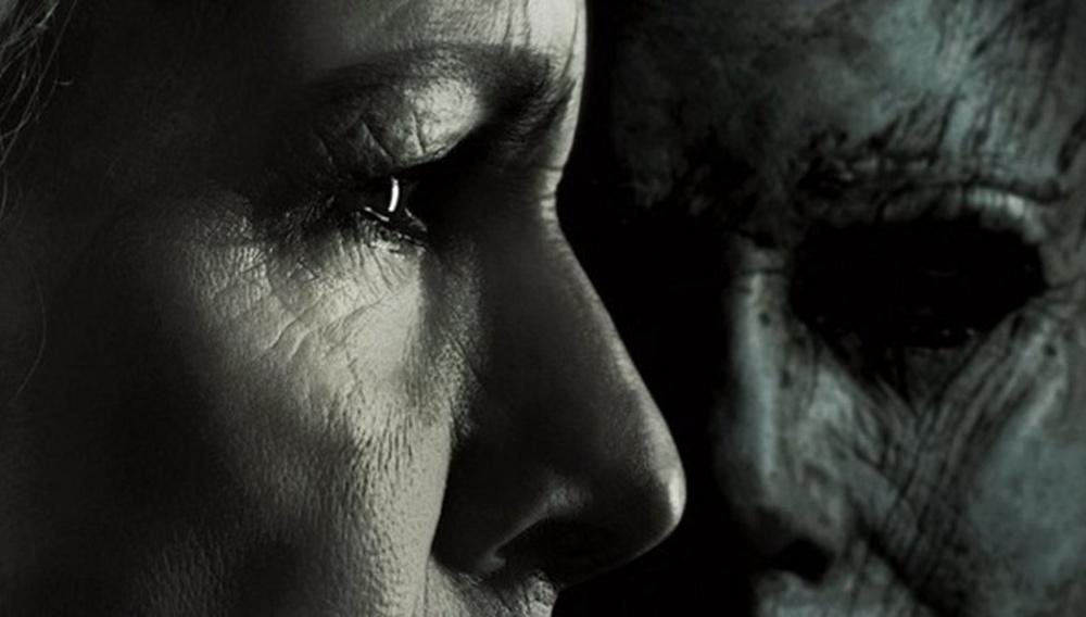 «Προετοίμαζα τον εαυτό μου χρόνια γι' αυτό». Η Τζέιμι Λι Κέρτις τα βάζει με τον Μάικλ Μάιερς στο τρέιλερ του «Halloween»
