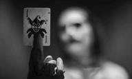 Why so black and white? Νέες φωτογραφίες του Τζάρεντ Λέτο ως Τζόκερ από το «Justice League: The Snyder Cut»