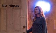 H Εϊμι Ανταμς παίζει με «Sharp Objects» στο πρώτο τρέιλερ της σειράς του HBO