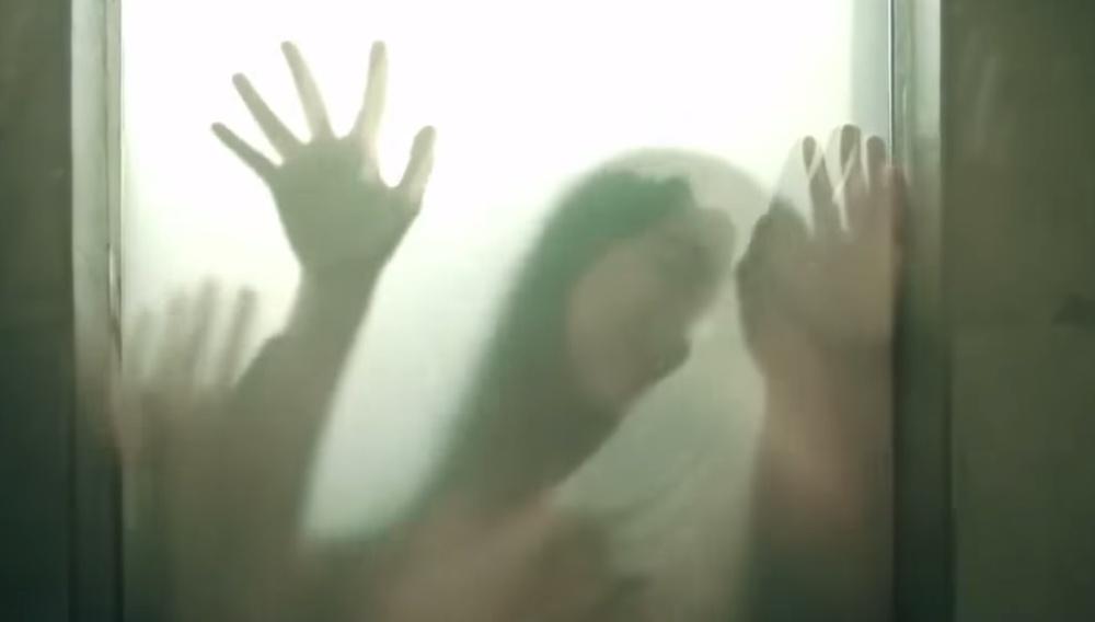 Κιάνου Ριβς, δεν έπρεπε να ανοίξεις αυτήν την πόρτα: Teaser Trailer για το «Knock Knock» του Ελάι Ροθ