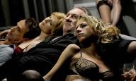 Ο Ζεράρ Ντεπαρντιέ «παίρνει» ό,τι κινείται στο τρέιλερ του «Welcome to New York» του Εϊμπελ Φεράρα