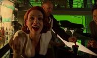 Δείτε το βίντεο: οι Εκδικητές στα γυρίσματα χορεύουν, φιλιούνται και βγάζουν τη Σκάρλετ από τα ρούχα της