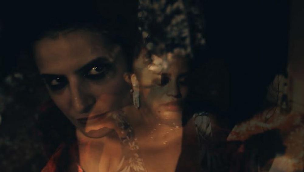 «Fantasmas»: ένα βίντεο κλιπ της Λουκρέσια Μαρτέλ δεν θα μπορούσε παρά να είναι υπέροχο