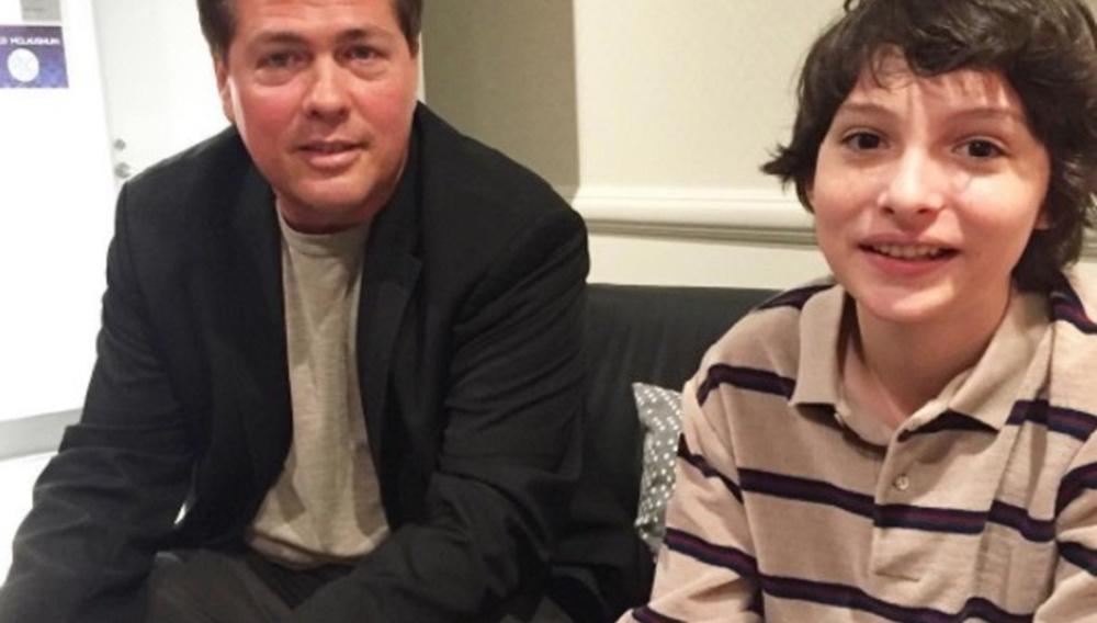 Ατζέντης του Χόλιγουντ απολύεται μετά τις αποκαλύψεις ότι παρενοχλούσε σεξουαλικά ανήλικα αγόρια