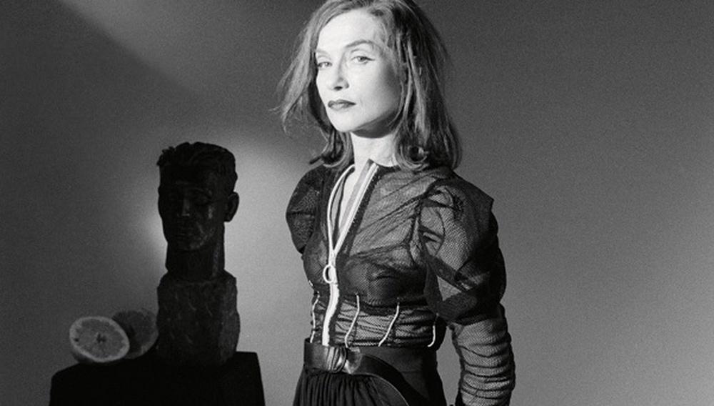 Η Ιζαμπέλ Ιπέρ ετοιμάζεται για κάτι το πιο αυτοκρατορικό στην τηλεοπτική σειρά «The Romanoffs»