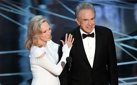 Oscars 2018: Οι Γουόρεν Μπίτι και Φέι Νταναγουέι θα (ξανα)δώσουν και φέτος το Οσκαρ Καλύτερης Ταινίας