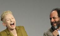 «Φοβάμαι τα φίδια. Και την αμνησία.» Η Τίλντα Σουίντον κι ο Λούκα Γκουαντανίνο μιλούν στο Flix για τη δική τους «Suspiria»