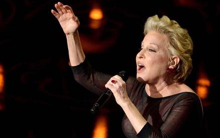 Oscars 2014: In Memoriam με τη σφραγίδα της Μπετ Μίντλερ