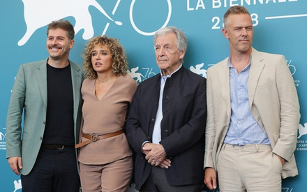 Βενετία 2019: Ο Κώστας Γαβράς δηλώνει ότι η ευρωπαϊκή αριστερά απέτυχε, σε μια συνέντευξη Τύπου - αστραπή