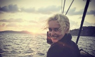 Η Εμίλια Κλαρκ αποχαιρετά το «Game of Thrones» λίγες ώρες πριν το μεγάλο φινάλε