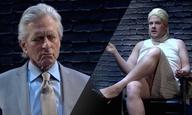 Ο Μάικλ Ντάγκλας αναβιώνει τη διάσημη σκηνή ανάκρισης του «Βασικού Ενστίκτου»