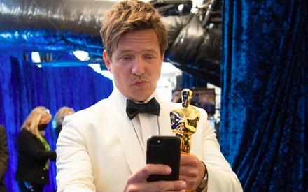 Oscars 2021: χαζέψτε 50+ ακυκλοφόρητες φωτογραφίες από τα παρασκήνια!