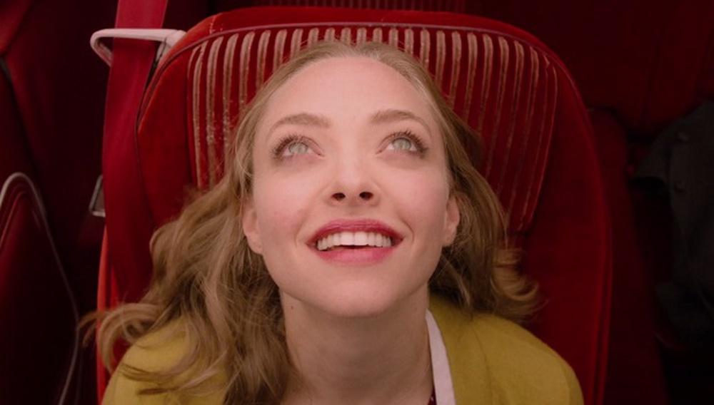 Στο «Twin Peaks» το σκοτάδι εξακολουθεί να κρύβεται πίσω από ένα πλατύ χαμόγελο