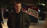 Ο Ματ Ντέιμον διαδηλώνει έξω από το ελληνικό κοινοβούλιο στο τρέιλερ του «Jason Bourne»